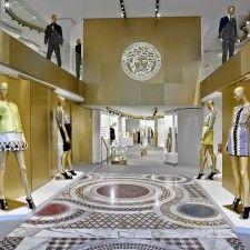 Versace vuelve a Barcelona